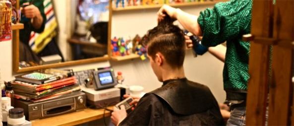 Consolas retro y cortes de cabello